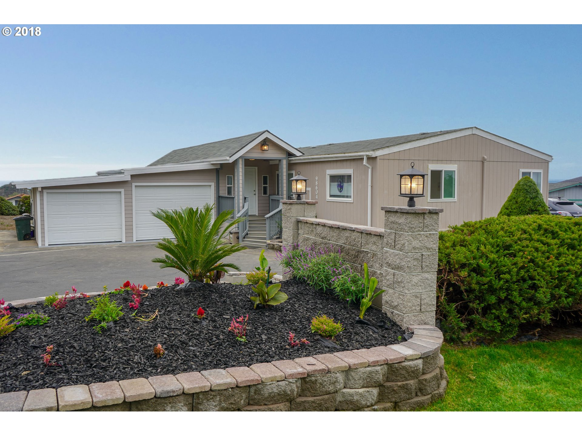 98604 CAMELLIA DR Brookings, OR 97415 - MLS #: 18630139