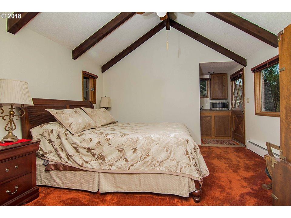 726 PIONEER WAY Winchester, OR 97495 - MLS #: 18636502