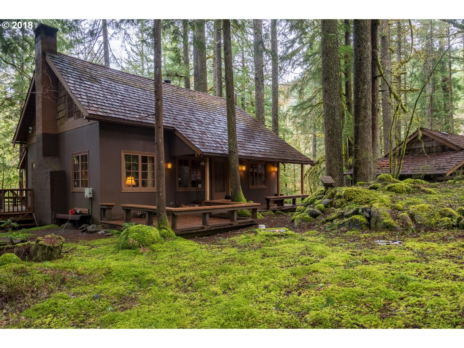 rentals by mt lodging vacation luxury cabin cabins home mount rainier hood