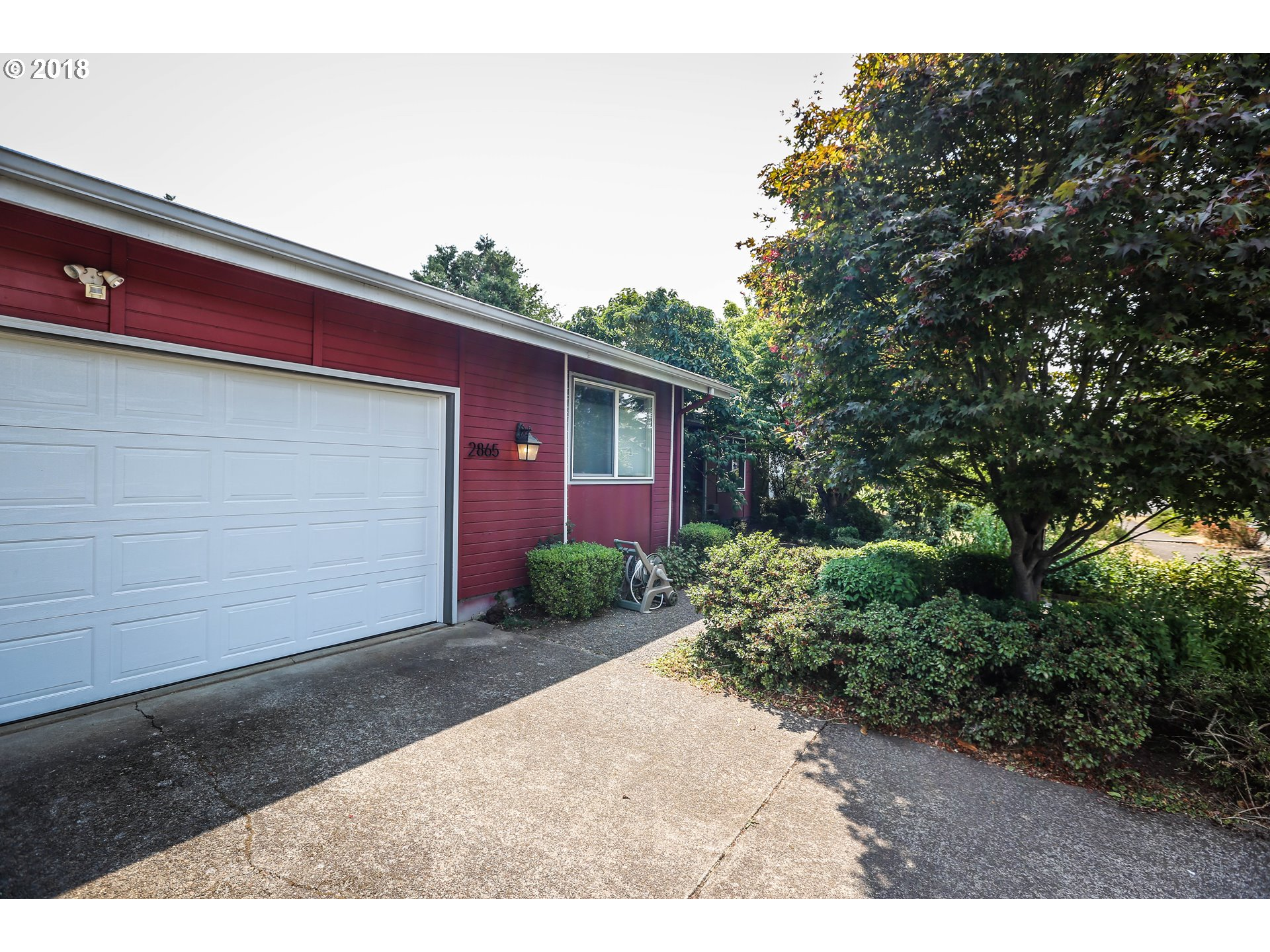 2865 CHUCKANUT ST Eugene, OR 97401 - MLS #: 18648540