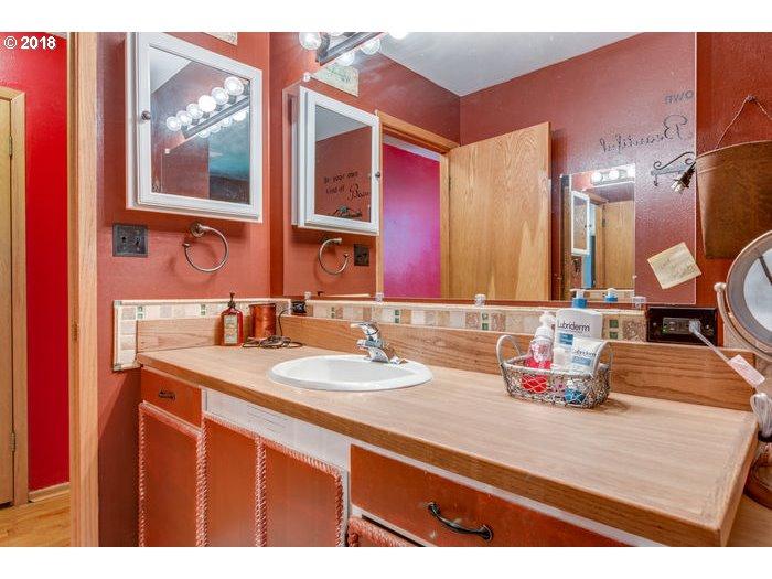 41111 Schoolhouse LN Astoria, OR 97103 - MLS #: 18652400