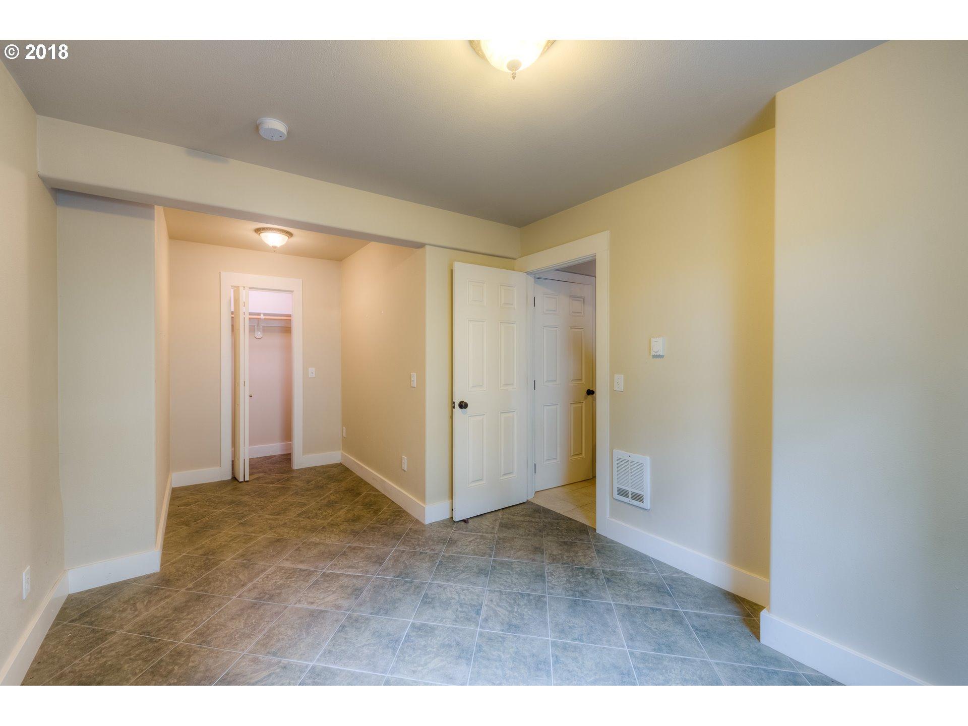 584 8th ST Astoria, OR 97103 - MLS #: 18652839