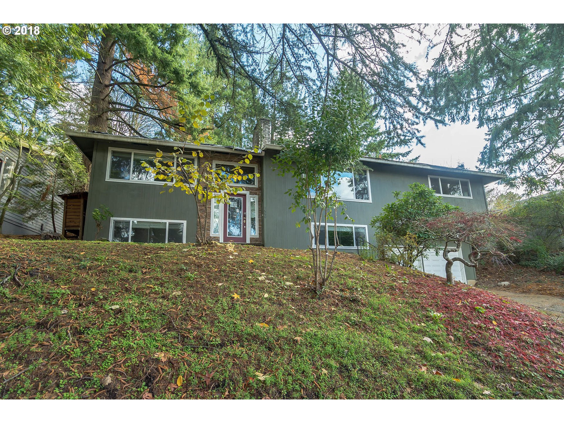 1660 WOODLAND TER, Lake Oswego, OR 97034