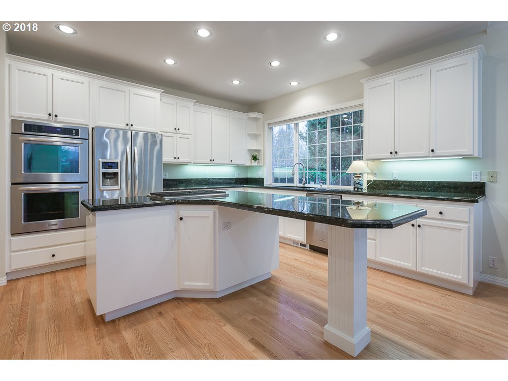 2450 sq. ft 3 bedrooms 3 bathrooms  House For Sale,Portland, OR