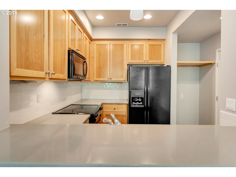 10860 SW HUNTINGTON AVE Tigard, OR 97223 - MLS #: 18684408