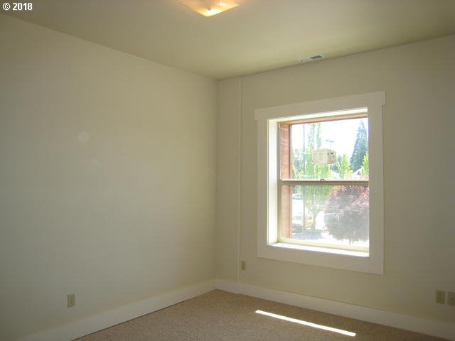 607 sq. ft 1 bedrooms 1 bathrooms  House For Sale, Portland, OR