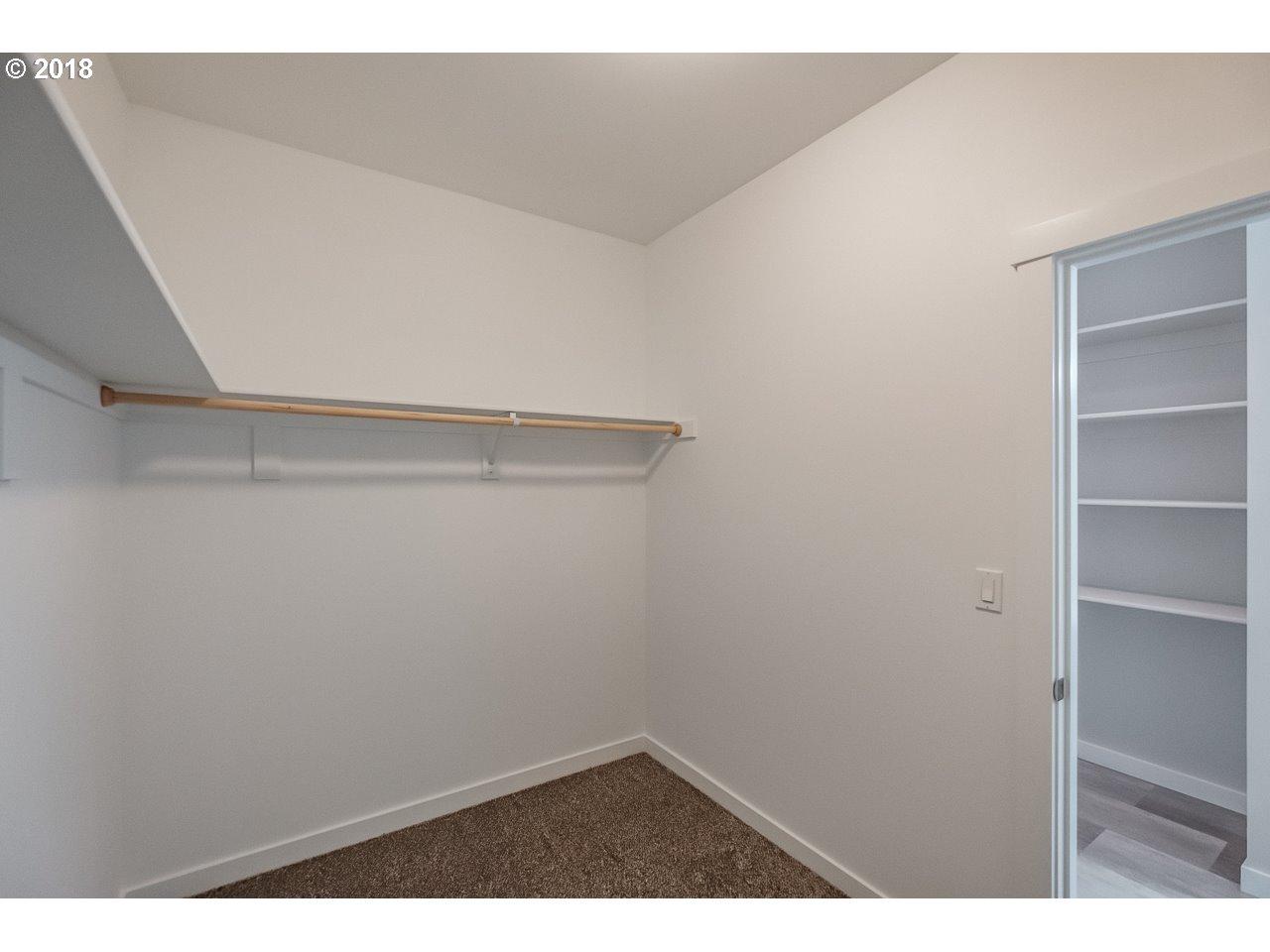 415 NW 6TH ST Willamina, OR 97396 - MLS #: 18685477