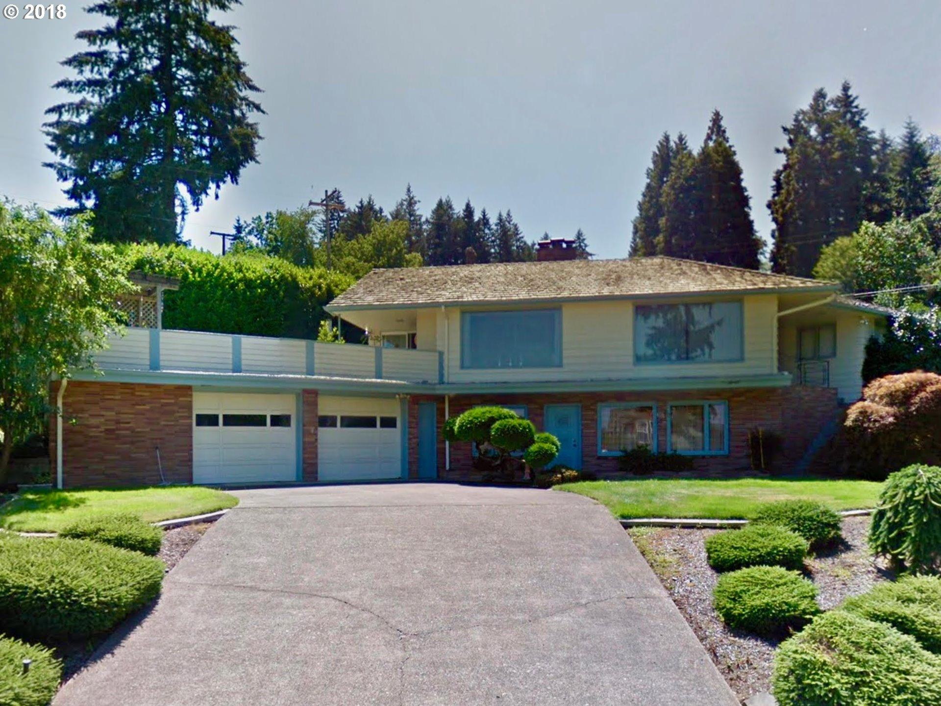 Eugene 6 Bedroom Home For Sale
