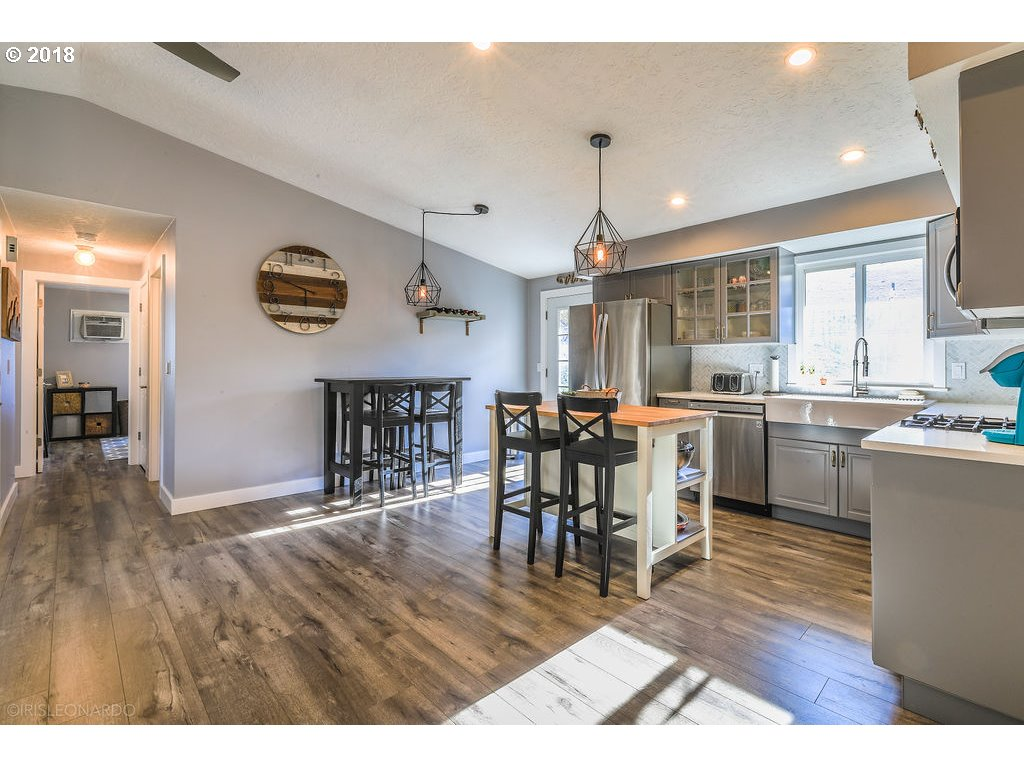 1232 sq. ft 3 bedrooms 2 bathrooms  House For Sale,Portland, OR