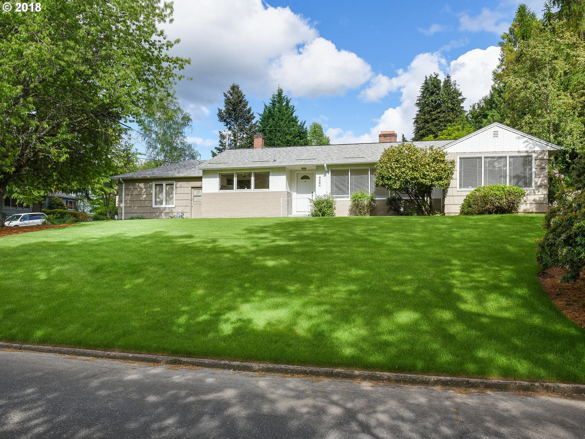 1594 sq. ft 2 bedrooms 1 bathrooms  House For Sale,Portland, OR