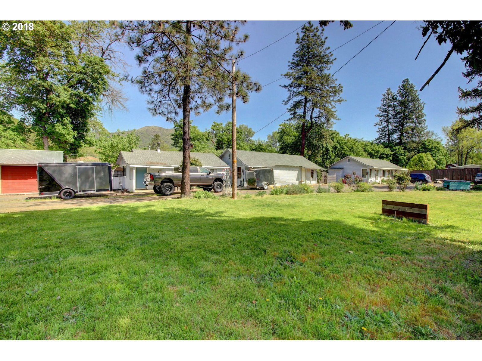 Grants Pass, OR  Bedroom Home For Sale