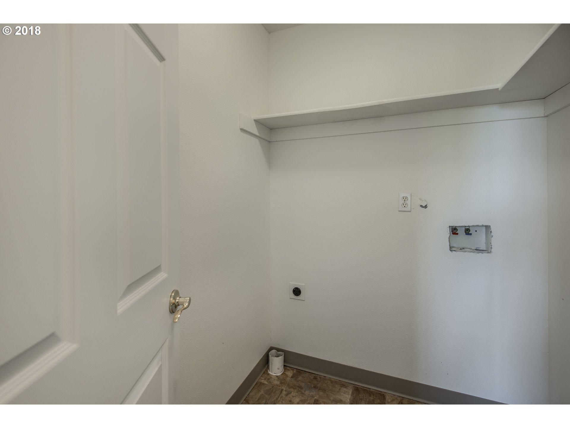 12130 NE FREMONT ST Portland, OR 97220 - MLS #: 18695743