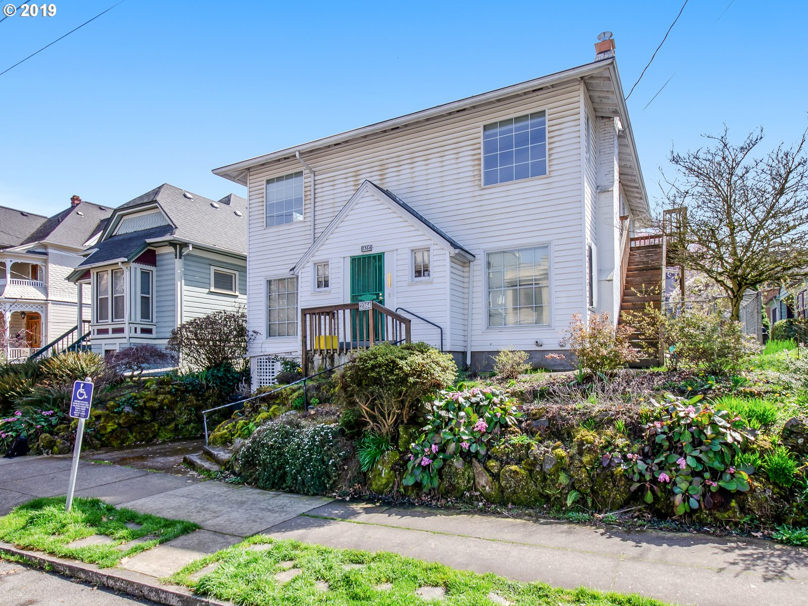 Photo of home for sale at 2364 NORTHRUP ST NW, Portland OR