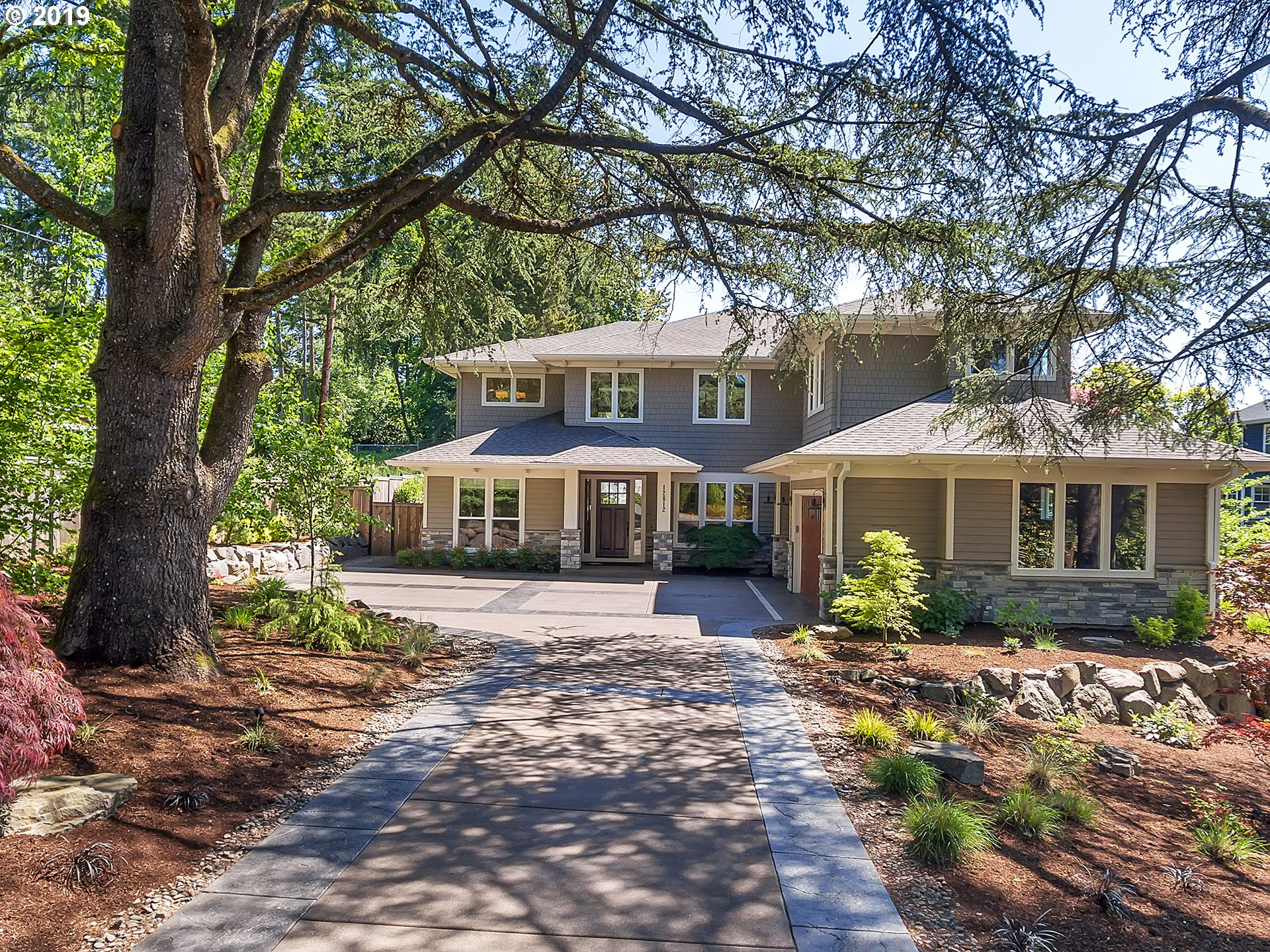 Photo of 12812 GOODALL RD, Lake Oswego, OR 97034