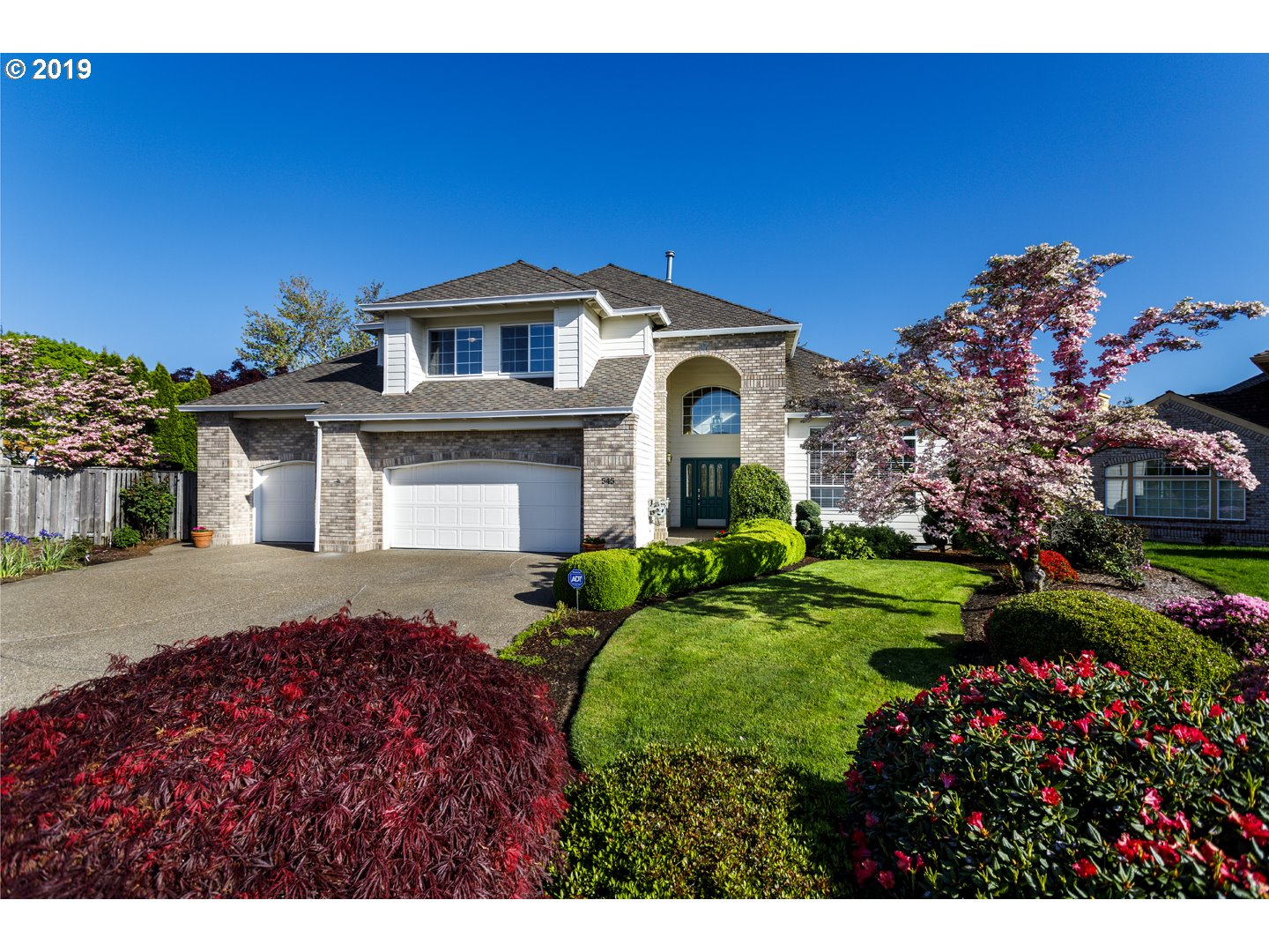 Photo of 545 NW BLUERIDGE CT, Beaverton, OR 97006