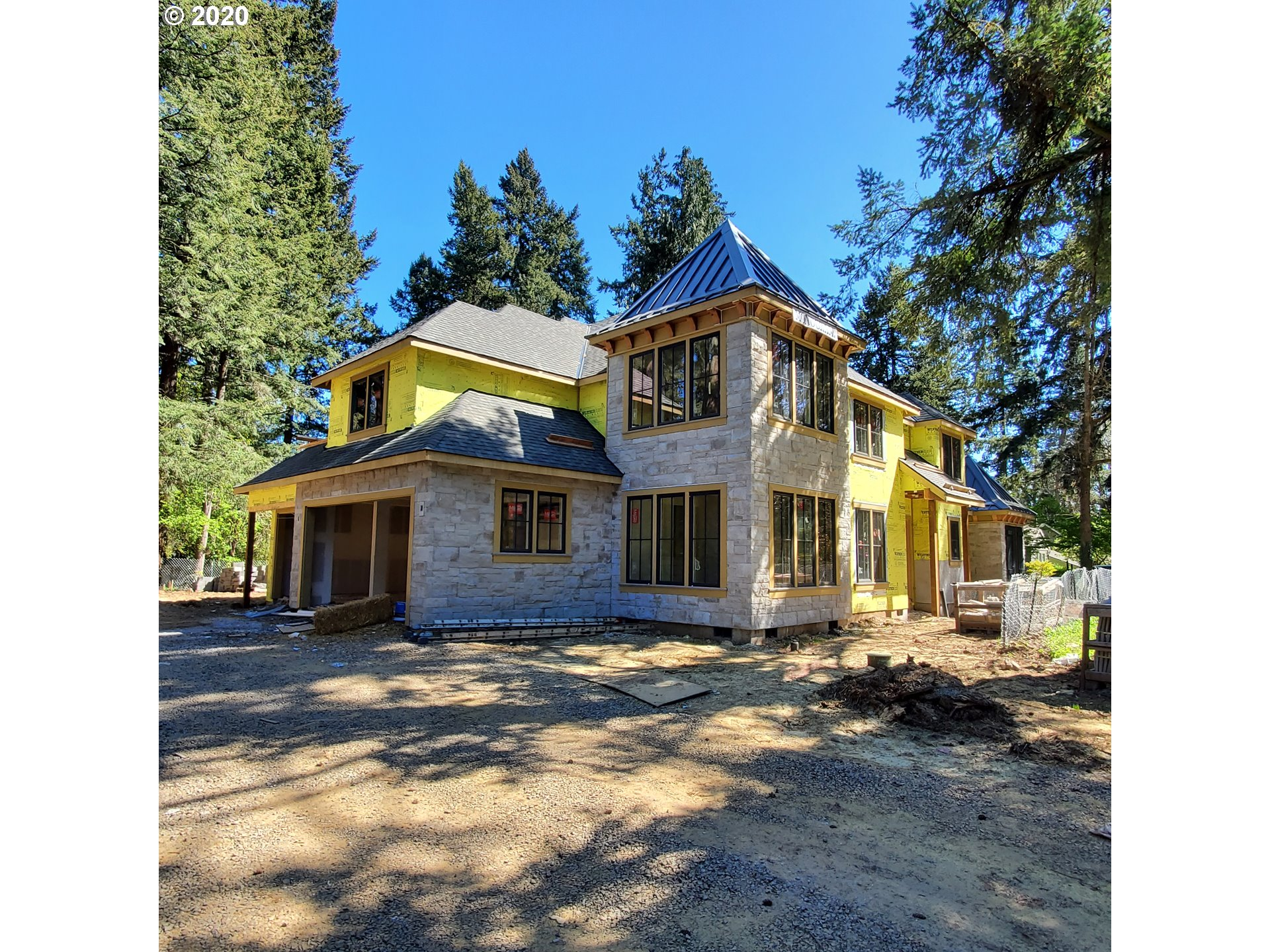 Photo of 17036 CANAL CIR, Lake Oswego, OR 97035