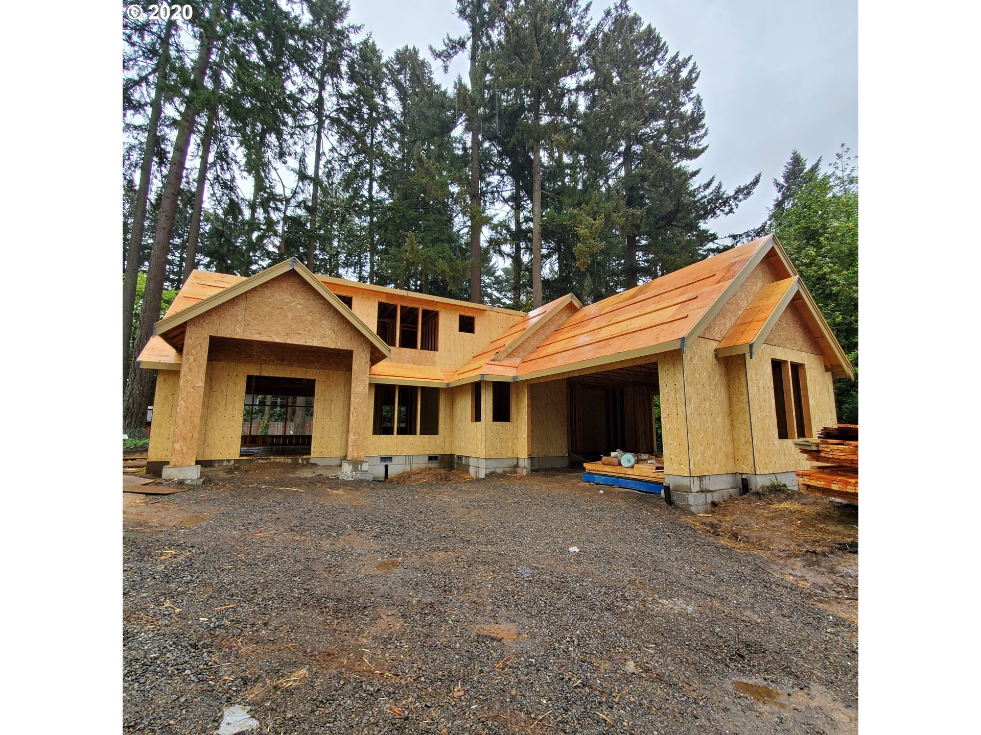 Photo of 4233 UPPER DR, Lake Oswego, OR 97035