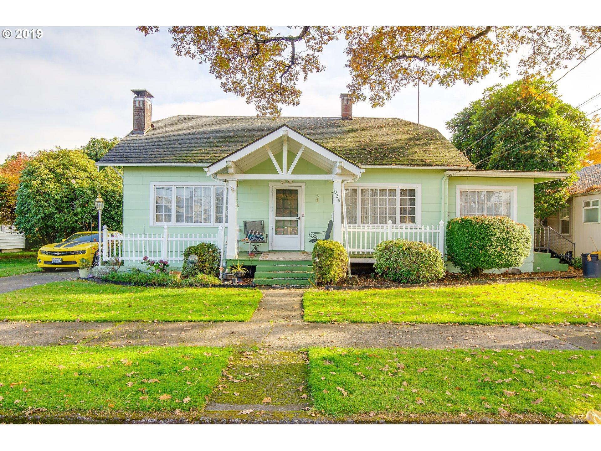 934  Hoffman St, Woodland, WA 98674