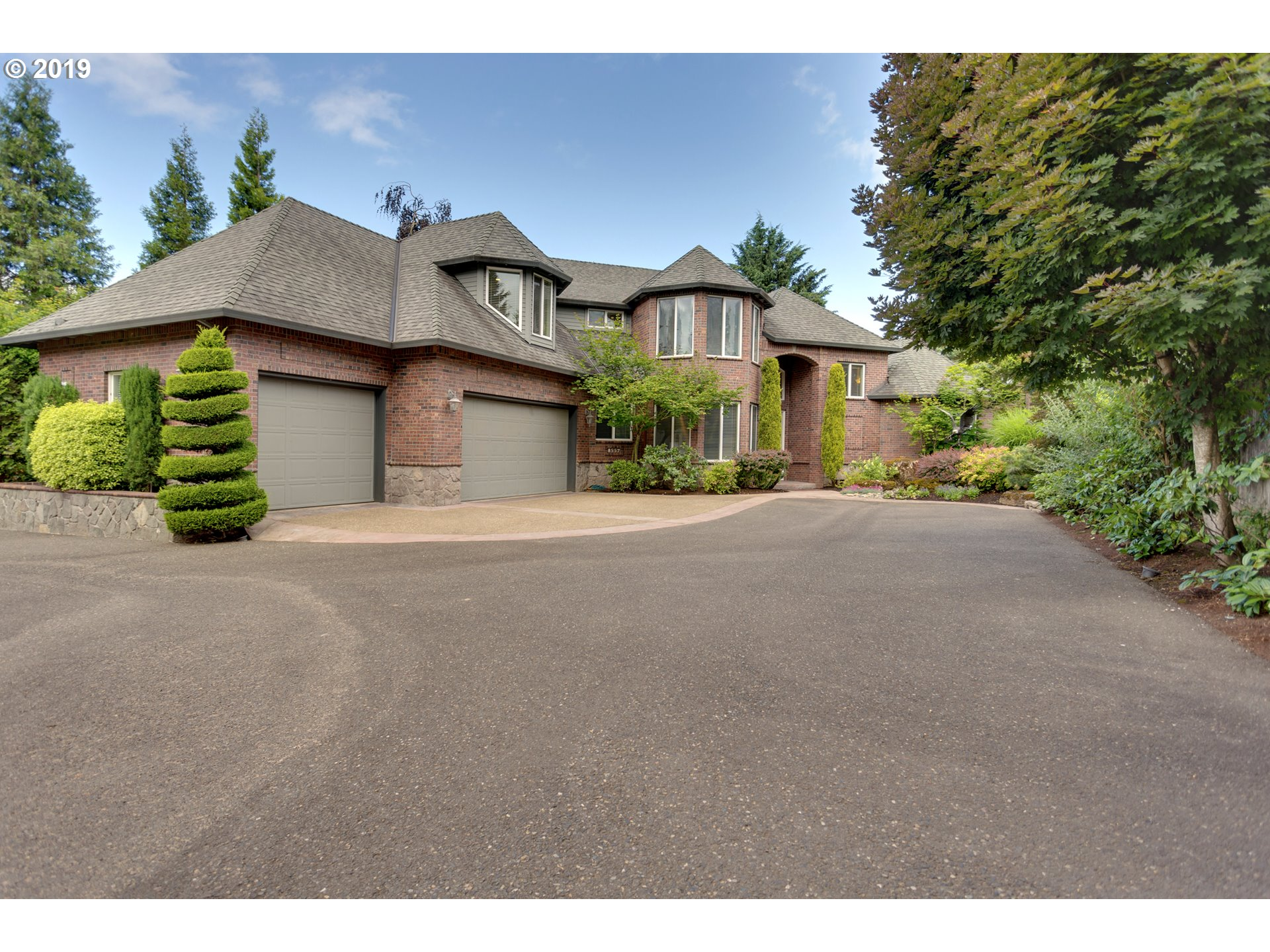 Photo of 8557 SW SORRENTO RD, Beaverton, OR 97008