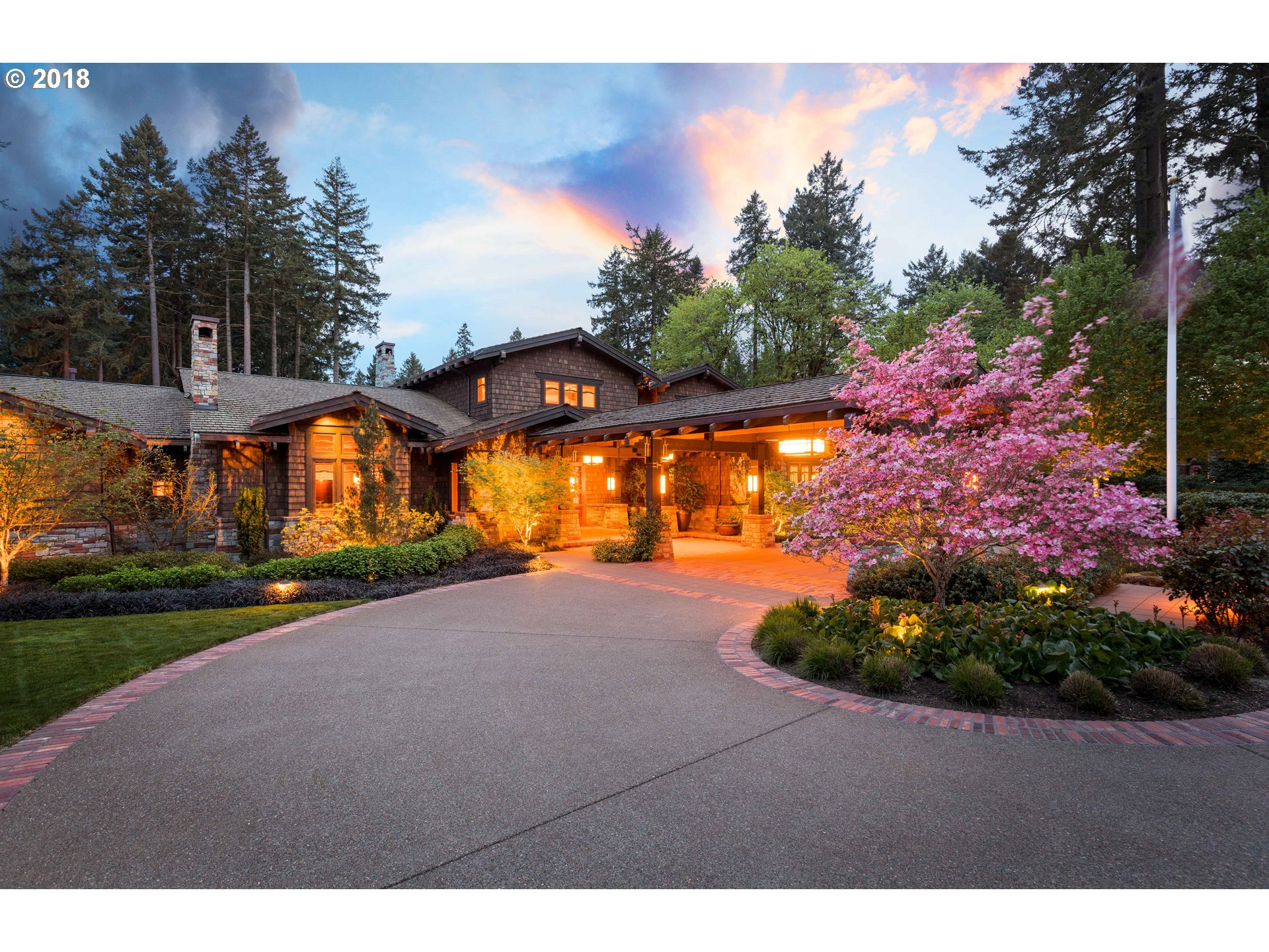 6923 sq. ft 4 bedrooms 4 bathrooms  House For Sale, Portland, OR