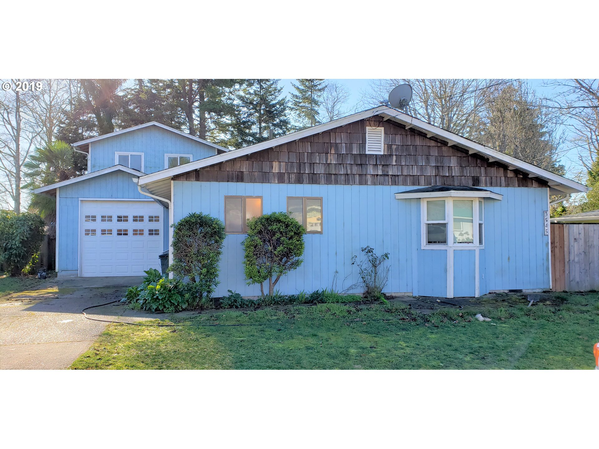 Coos Bay Real Estate Homes For Sale Realtyonegroup Com