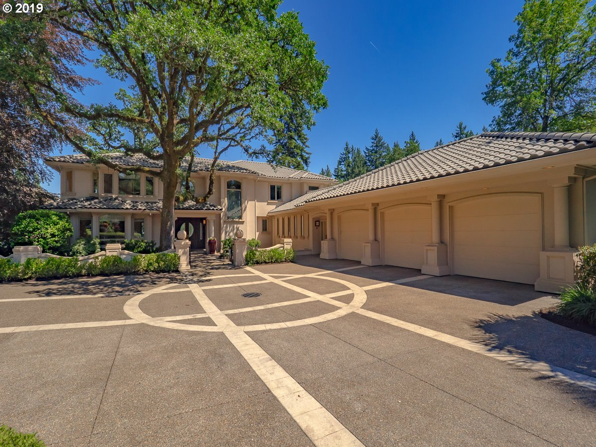 Photo of 4175 SOUTHSHORE BLVD, Lake Oswego, OR 97035