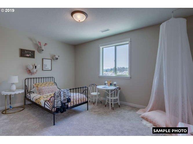 802 E Tanoak Ave, La Center, WA 98629