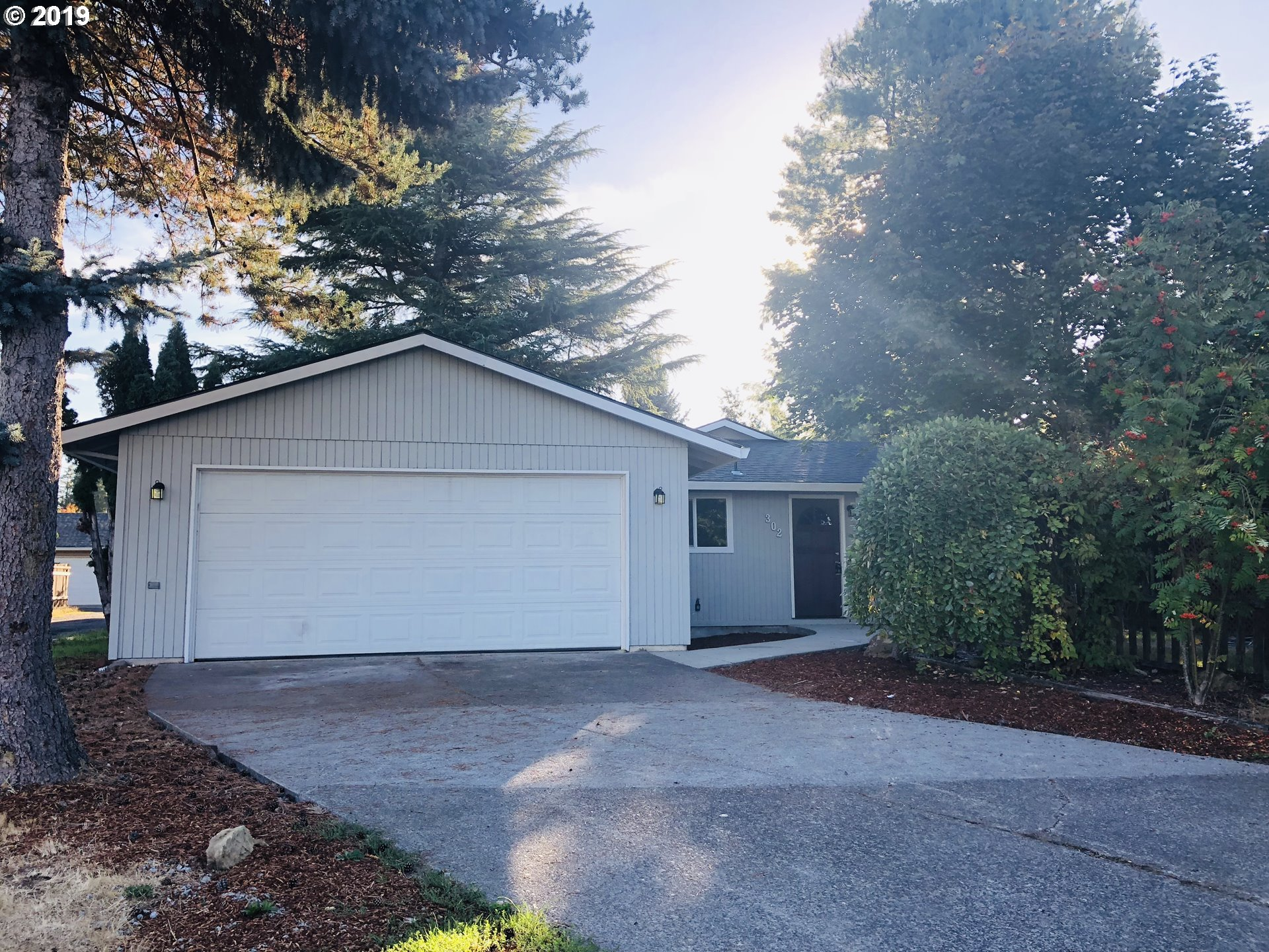Property for sale at 302 NE 34th PL, Hillsboro,  OR 97124