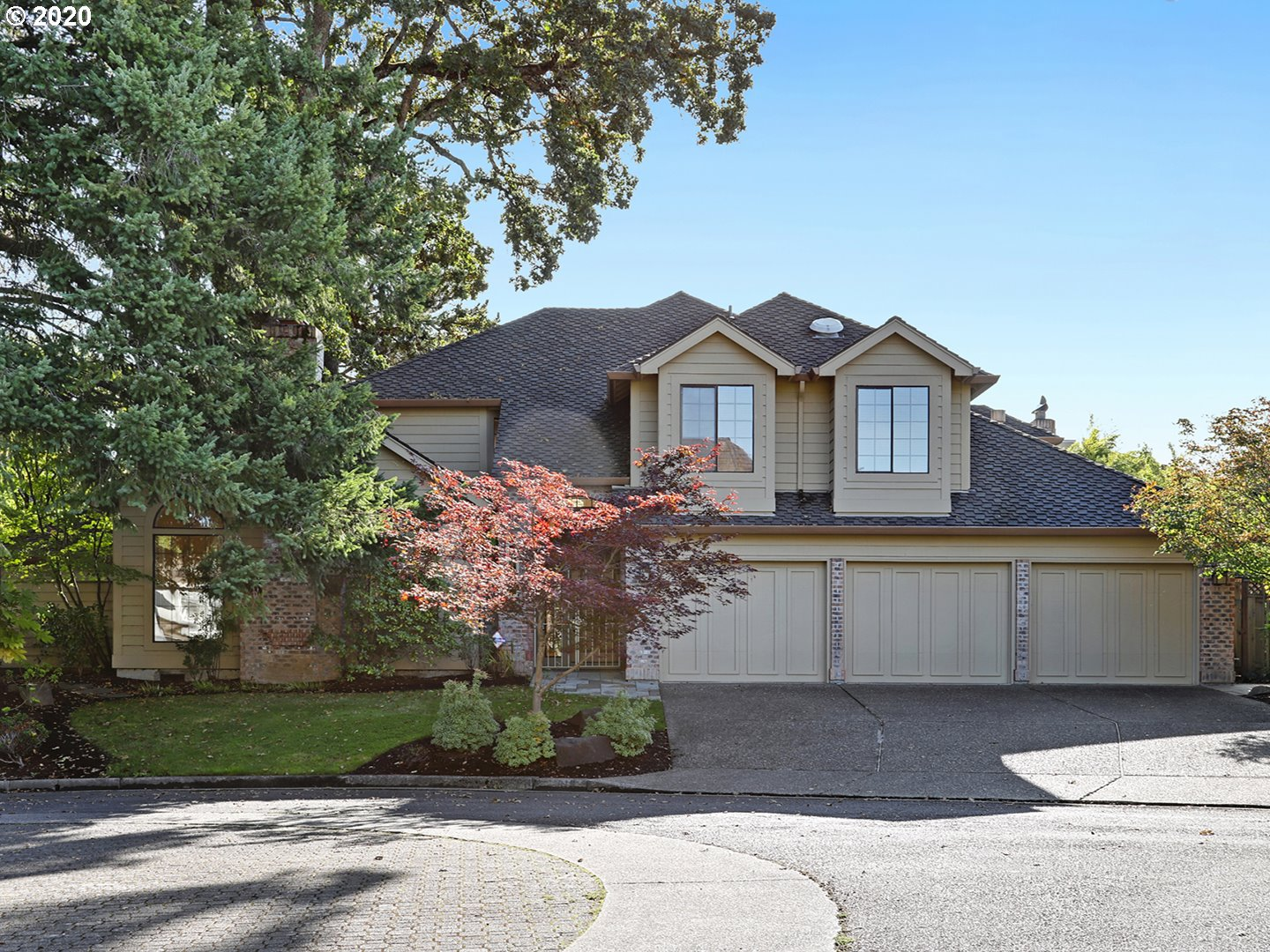 Photo of 818 NW DAVID CT, Beaverton, OR 97006