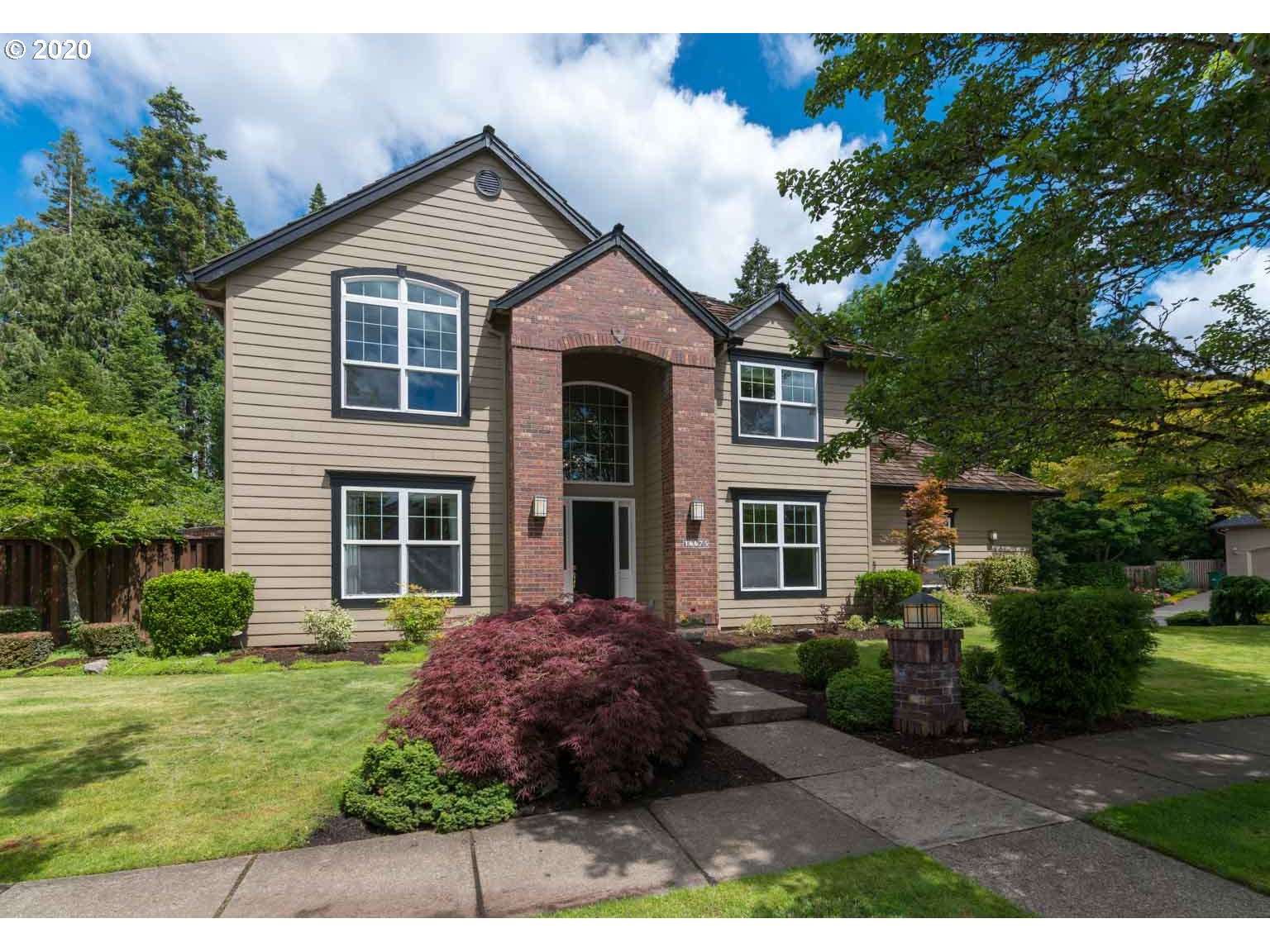 Photo of 16675 NW MISSION OAKS DR, Beaverton, OR 97006