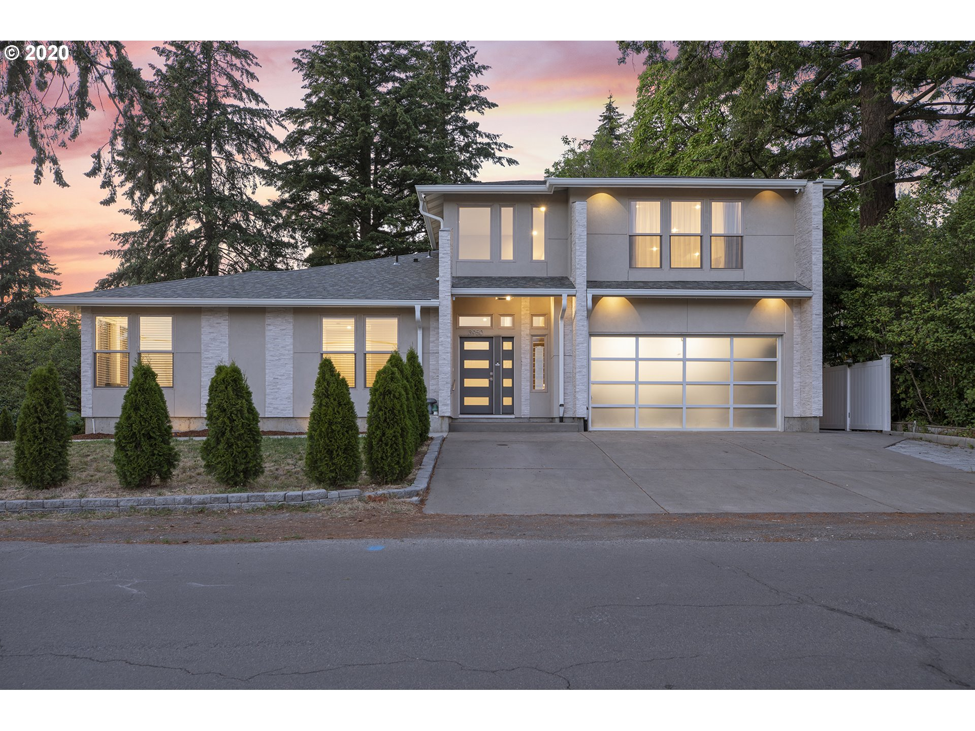 Photo of 3950 SW LAURELWOOD AVE, Portland, OR 97225
