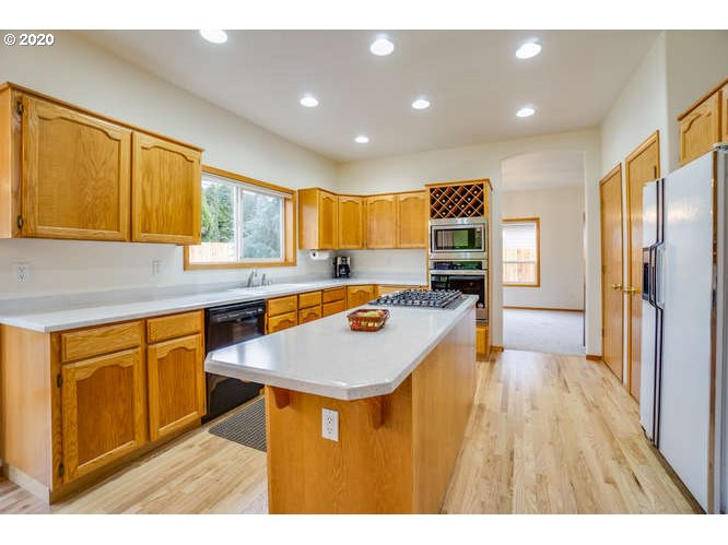 8521 NW 19th Ave, Vancouver, WA 98665