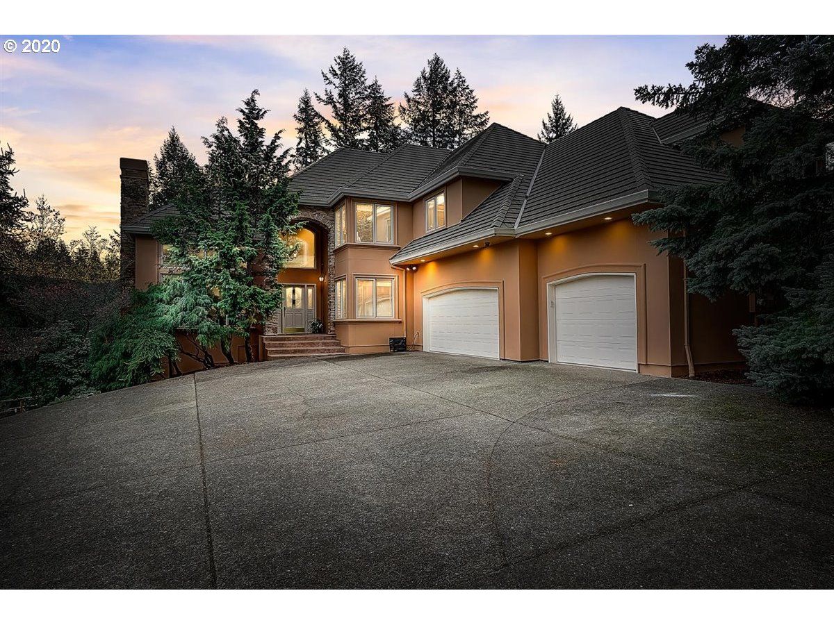 Photo of 1010 SW SCHAEFFER RD, West Linn, OR 97068