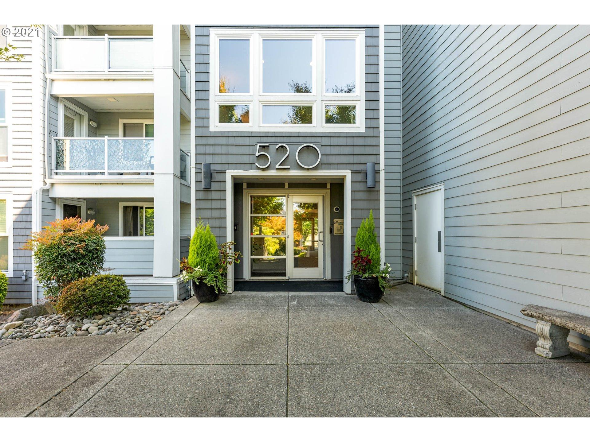 520 SE Columbia River Dr #420, Vancouver, WA 98661