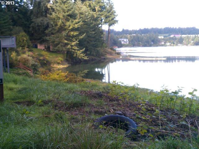 Photo of 915 Shorecliff RD