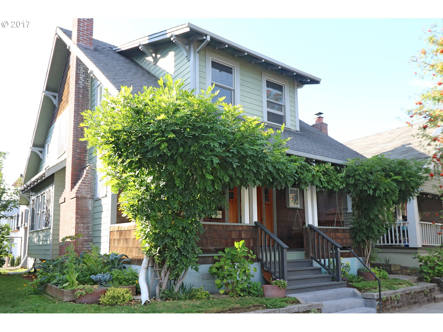 Beautiful restored Craftsman-Ideal location-Walk to shops-restaurants & New Seasons on Hawthorne. Sunny & Bright! Perfect condo Alt-No HOA-Large Kitchen w/SS Appliances-Granite-Pratt & Larson Tile-Butler Pantry. Wall of windows in DR, full bath on main + Den.3 Bdrms-Loft w/Blt-ins & bath+ WI closets. Large dbl hung windows w/view of Tabor. Huge front porch w/swing & side Veggie garden. Bonus room in basement. Walkscore 89-Bikescore 100