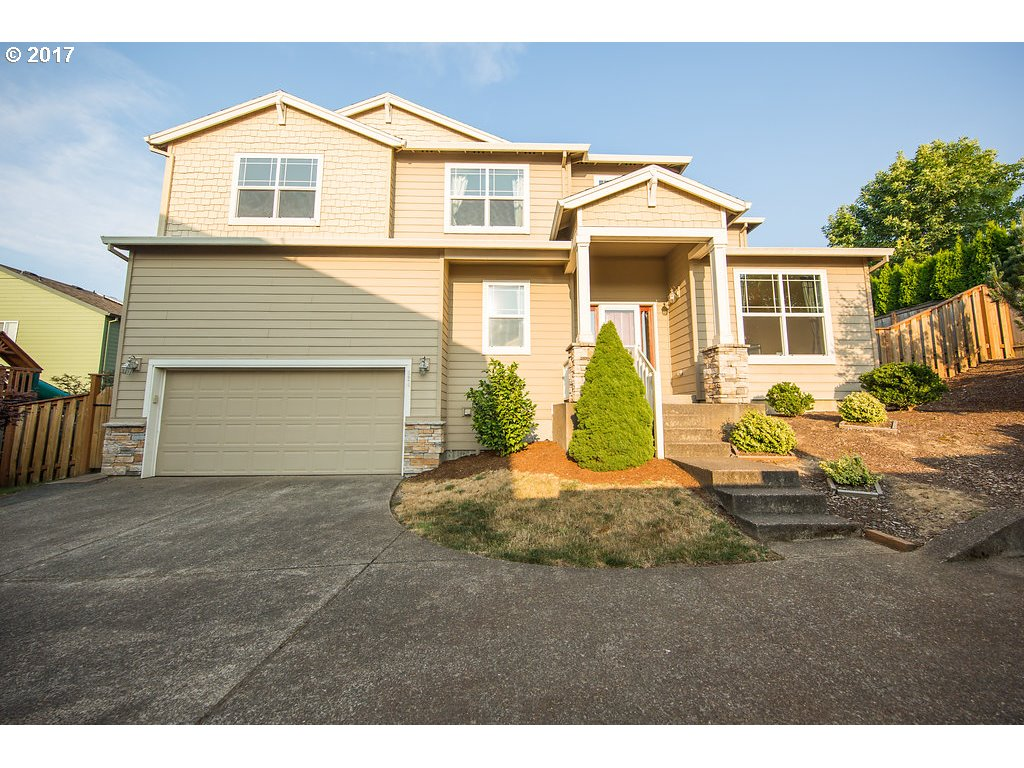 824 Se 48th St, Troutdale, OR 97060