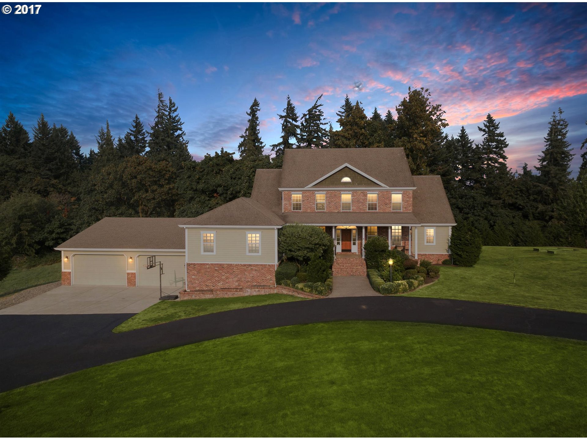 Amazing 5 acre Rolling Hills Estate! Over 6,100 sq ft with master on main plus 4 large bedrooms, 7 bathrooms, totally remodeled kitchen with red oak hardwood floors, two bonus rooms, exercise room, relaxation room that would make a wonderful theater room. Relax outside on the covered front porch or the 1500 sq ft back deck. The 10 car garage will make you the envy of all your friends. Room for horses too. The list of amenities goes on!