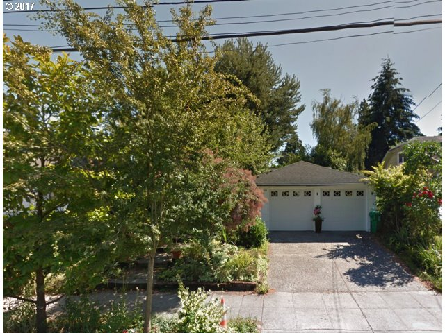 138 Ne Stafford St, Portland, OR 97211