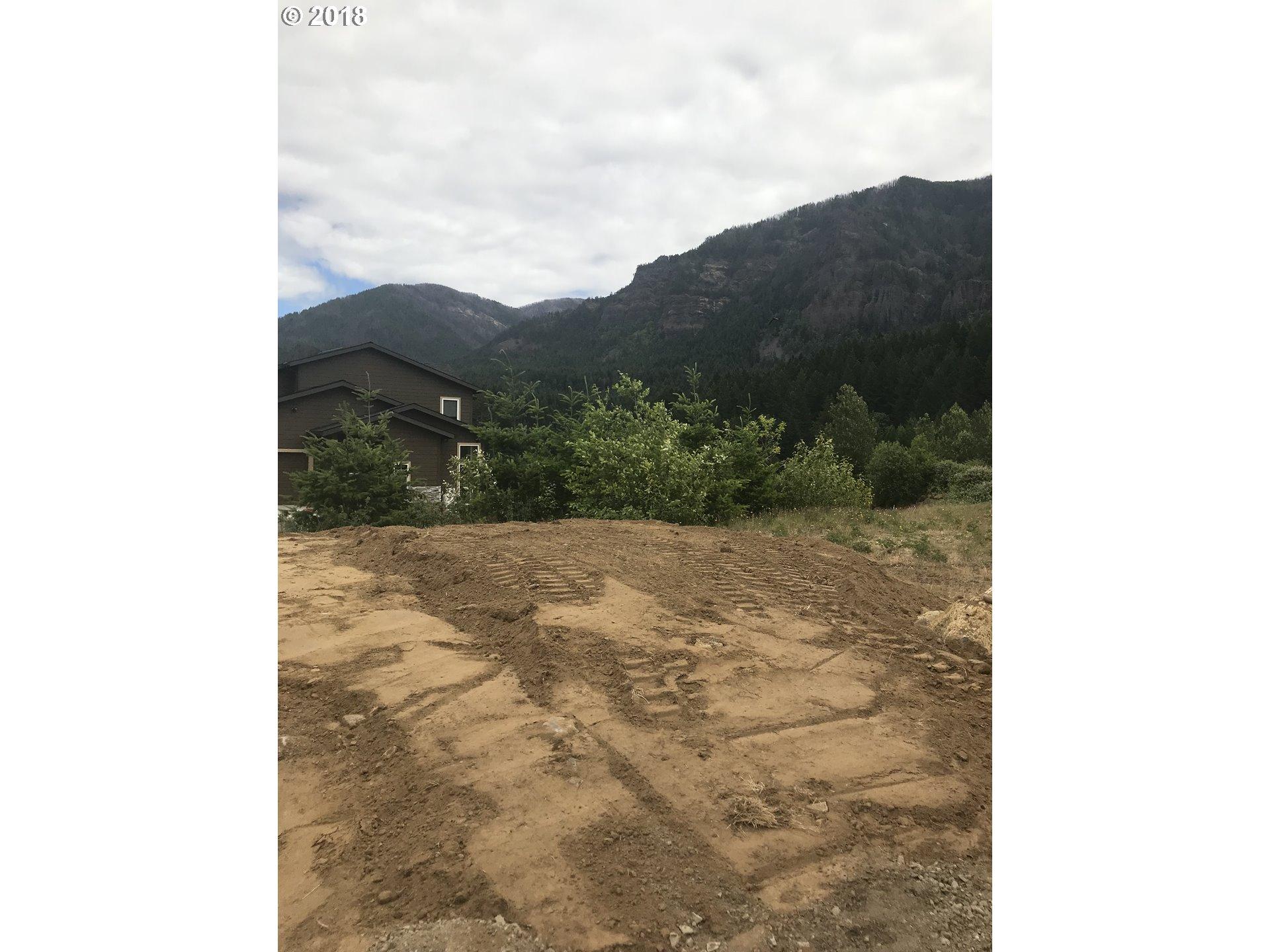 Photo of 1116 SE CHINOOKAN DR, 38 Cascade Locks OR 97014