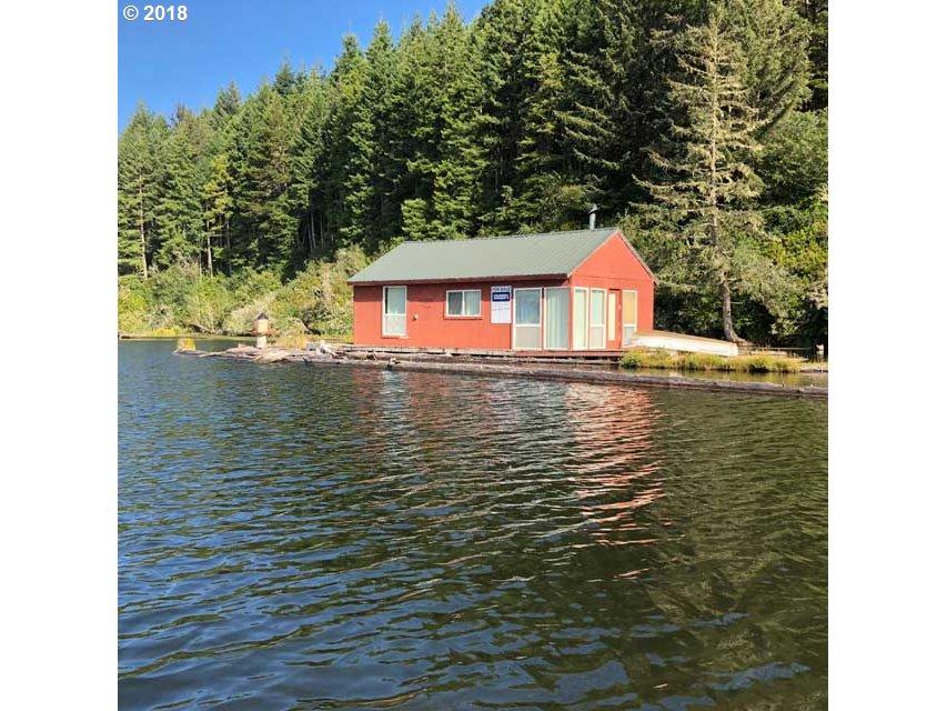 Tahkenitch Lake   (1 of 14)