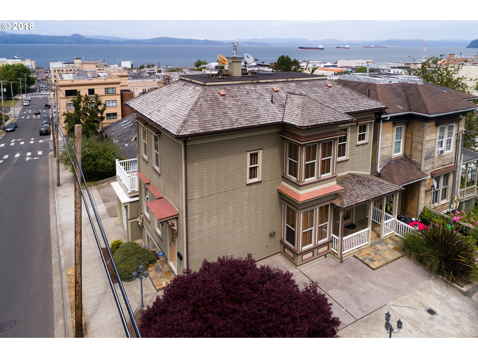 Photo of 584 8th ST Astoria OR 97103