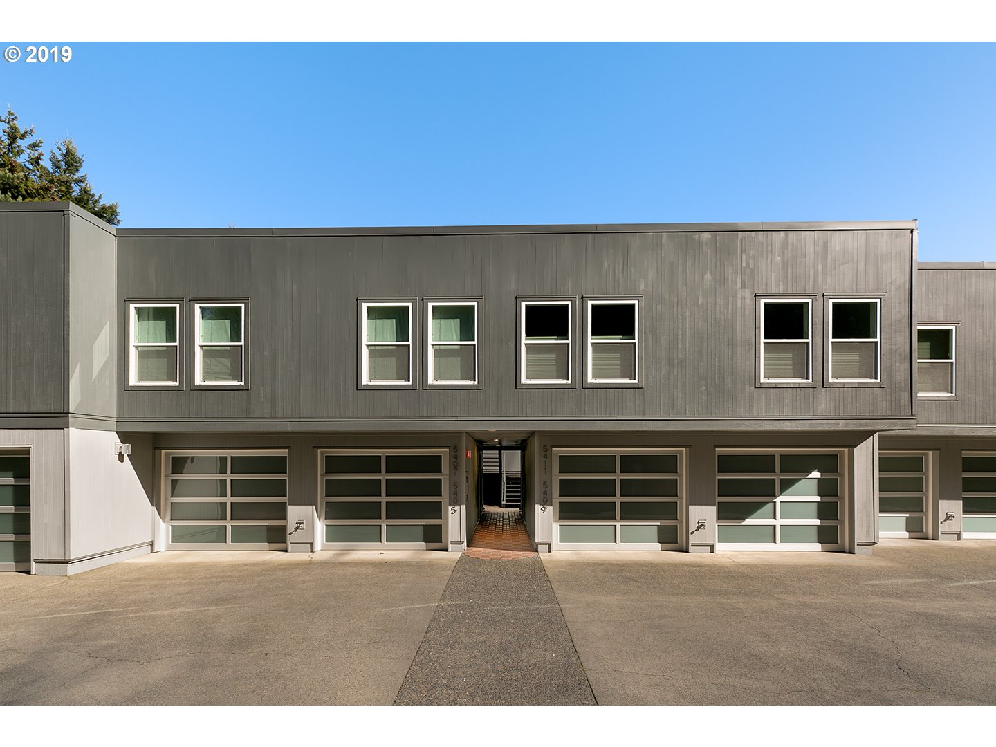 Photo of 5405 SW VIEW POINT TER Portland OR 97239