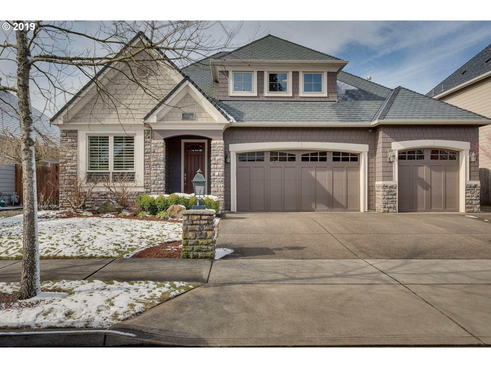 Stunning custom home w/master, den, pwdr bath, formal dining, kitchen, nook, great room w fireplace & laundry on main, 2nd bdrm suite & 3rd bdrm, full bath, bonus rm w built-in office upstairs. Enjoy tranquility in private backyard & the community pool. Amenities inc. upgrades throughout, slab granite, tile, 10' ceilings w 8'solid core doors on main, fully landscaped w auto sprinklers on level lot, HVAC, 2 water heaters & more.
