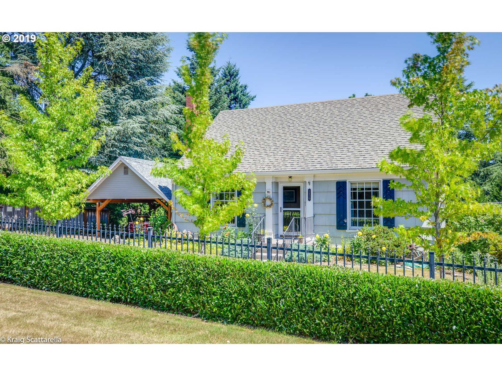 2420 SW CRESTDALE DR Portland Home Listings - The Rob Levy Team Real Estate