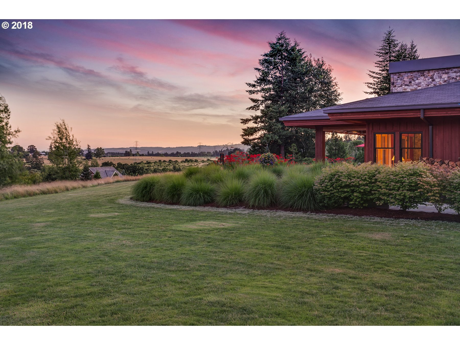 5017 SW EASTGATE DR, WILSONVILLE, OR 97070  Photo 2