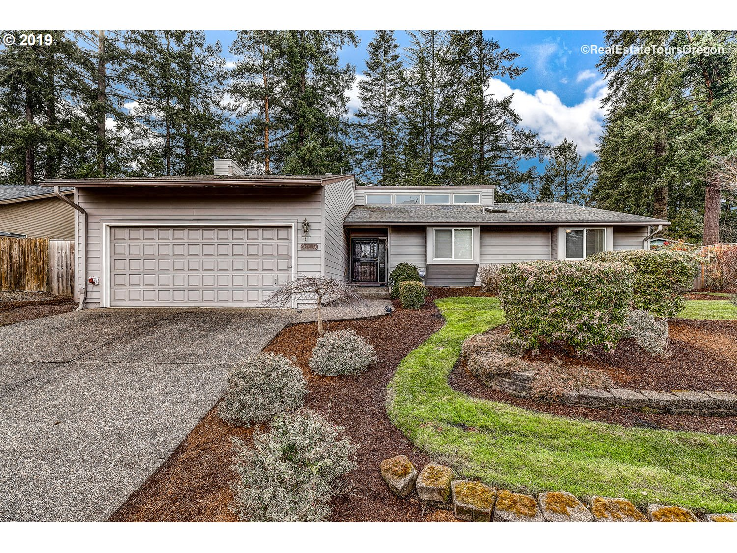 Photo of 20115 NW NESTUCCA DR Portland OR 97229
