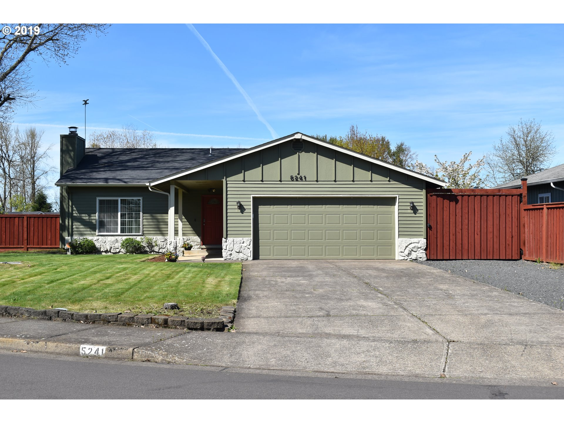 5241 SUGARPINE CIR Eugene Home Listings - Galand Haas Real Estate
