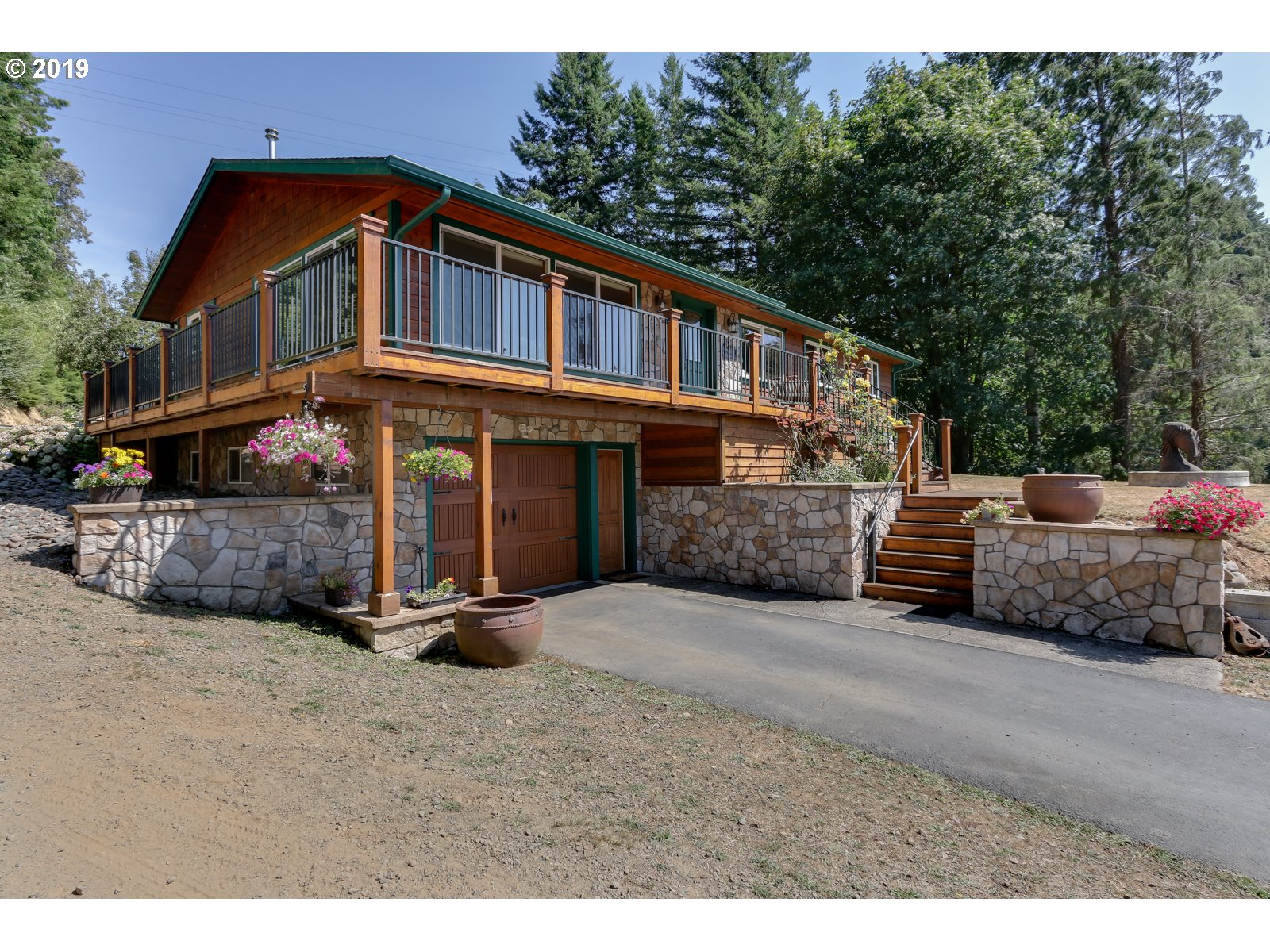 7470 MAPLE CREEK RD  (1 of 32)