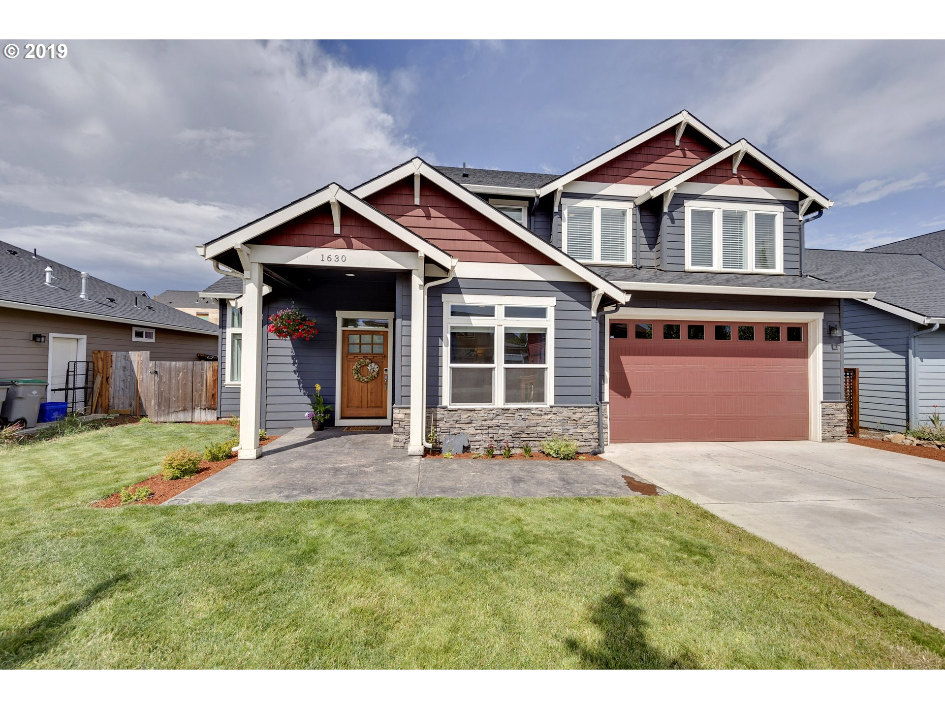 Photo of 1630 3RD ST Hood River OR 97031